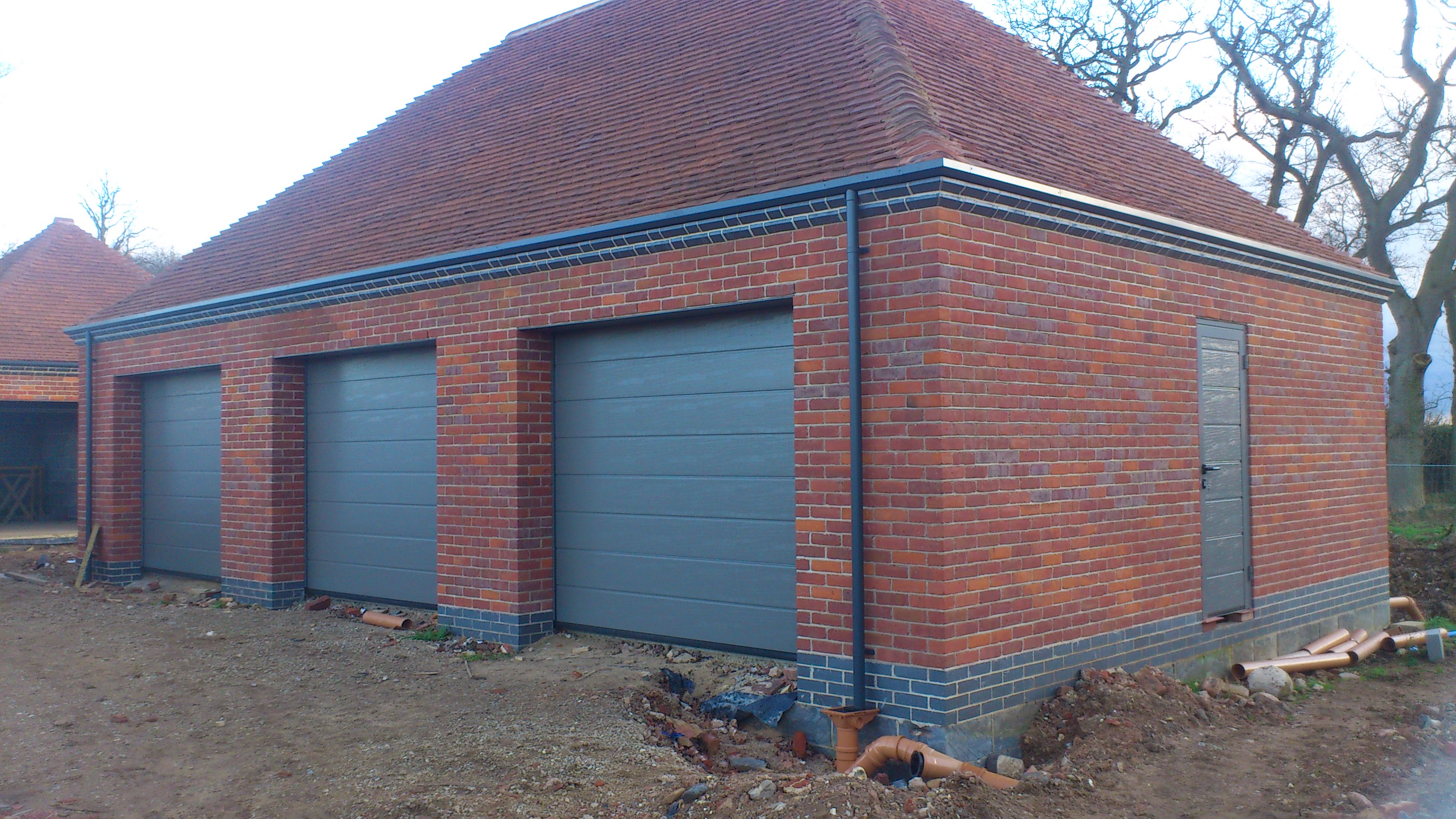 3 x Hormann LPU M Ribbed sectional garage doors \u0026 SupraMatic automatioc with matching side doors fitted in Peterborough. « & Hormann Sectional Garage Doors fitted in Peterborough | Fenland ... Pezcame.Com